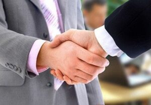 Guarantor Lenders Like Amigo hand shake
