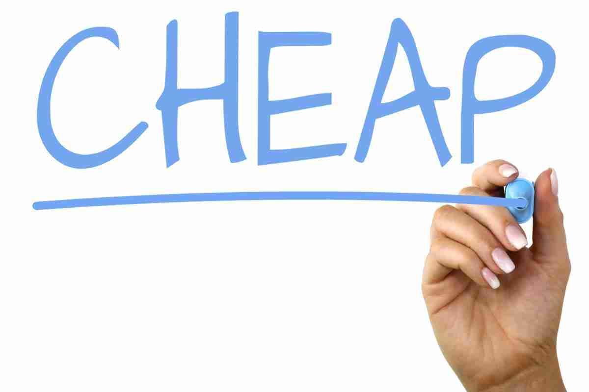 cheap guarantor loans blue writing