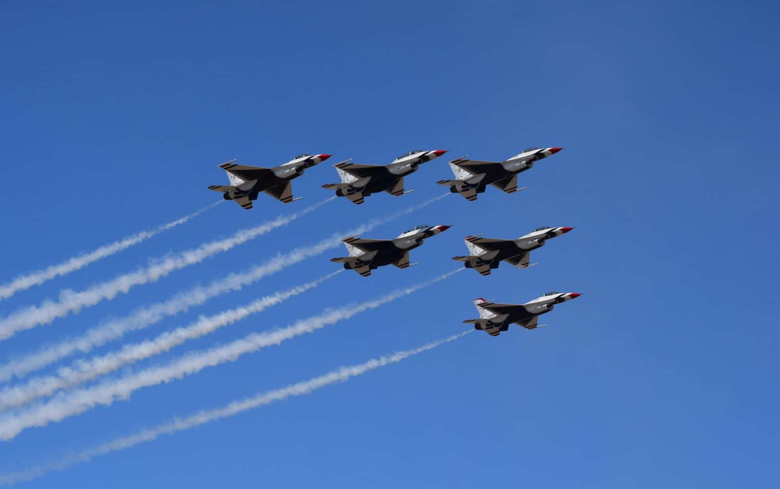quick loans same day jet fighters in formation flying fast