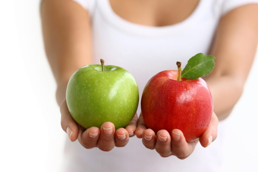 comparing green and red apples