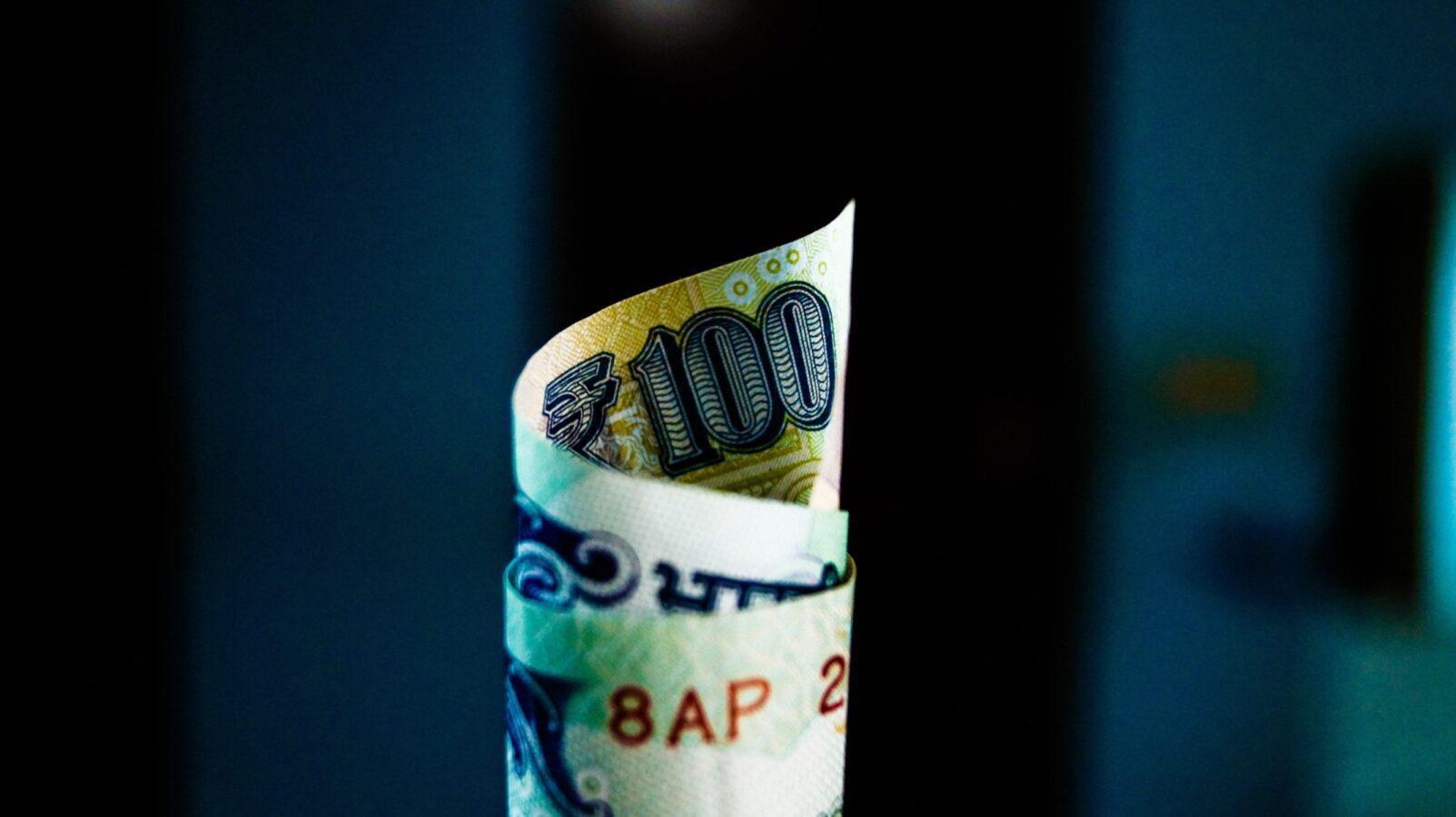 100 200 300 400 500 600 700 800 900 1000 Loans